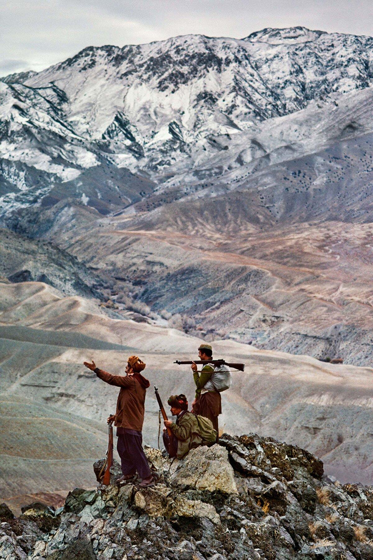 Hindikuş dağlarında üç mücahit. Lovgar vilayeti, 1984.
