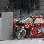 Yeni Ford Mustang çarpışma testinde paramparça oldu