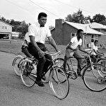 Schwin Bisikletleri: Muhammed Ali'yi boksa başlatan hediye