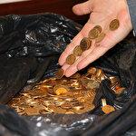 Otelde sır olay: Asgari ücretle çalışan işçiler yüzlerce altın para buldu