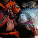 2,5 yaşındaki Yüsra ve annesi Ayşe Yıldız kurtarıldı