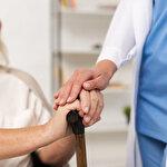 Kızılay Genel Başkanı'ndan yaşlılara 'hastaneye gelmeyin' çağrısı
