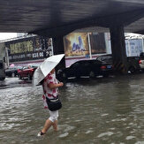 Death toll hits 99 in tormenting floods in China
