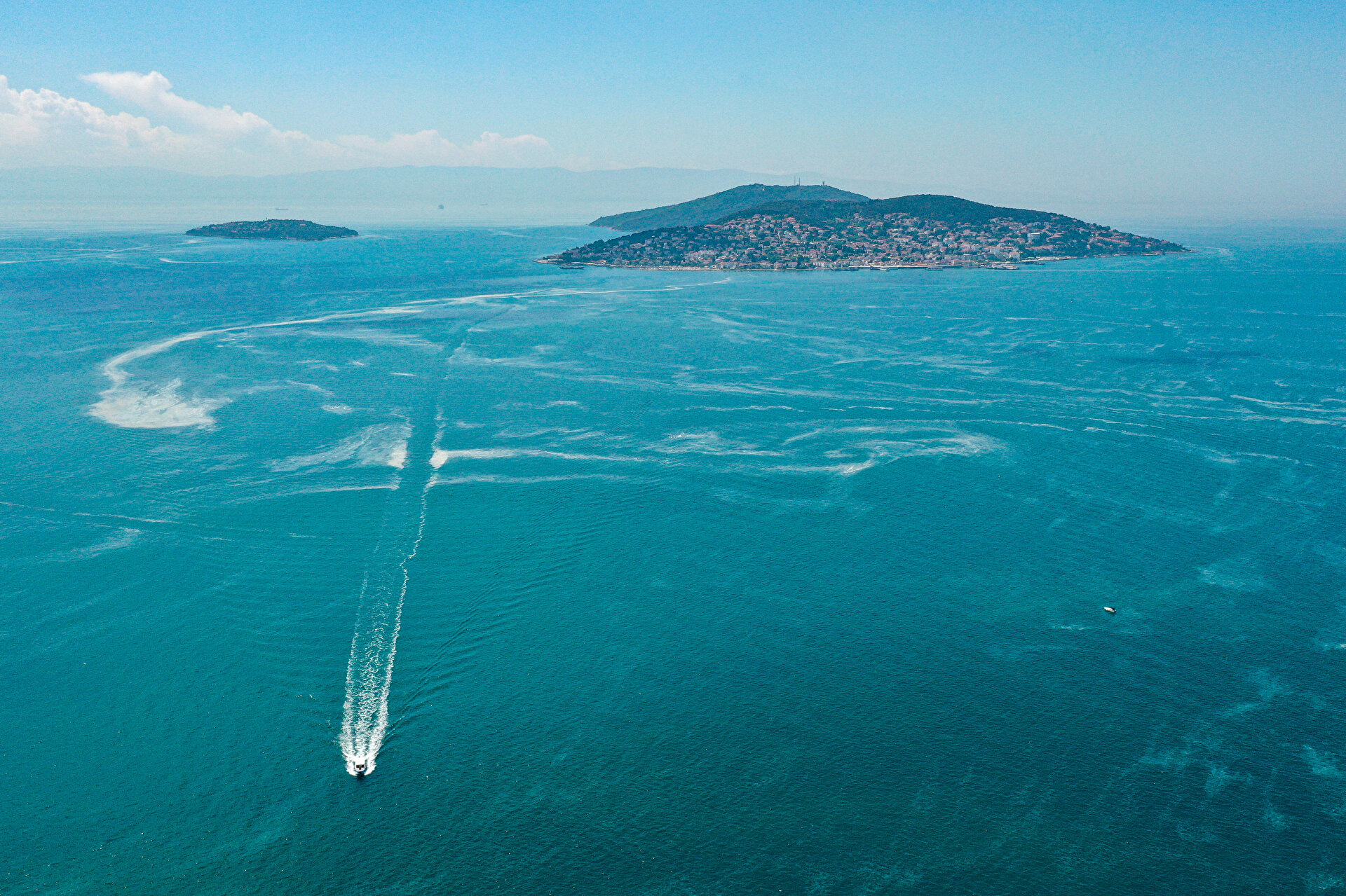 Mucilage covers part of sea surface in Turkey