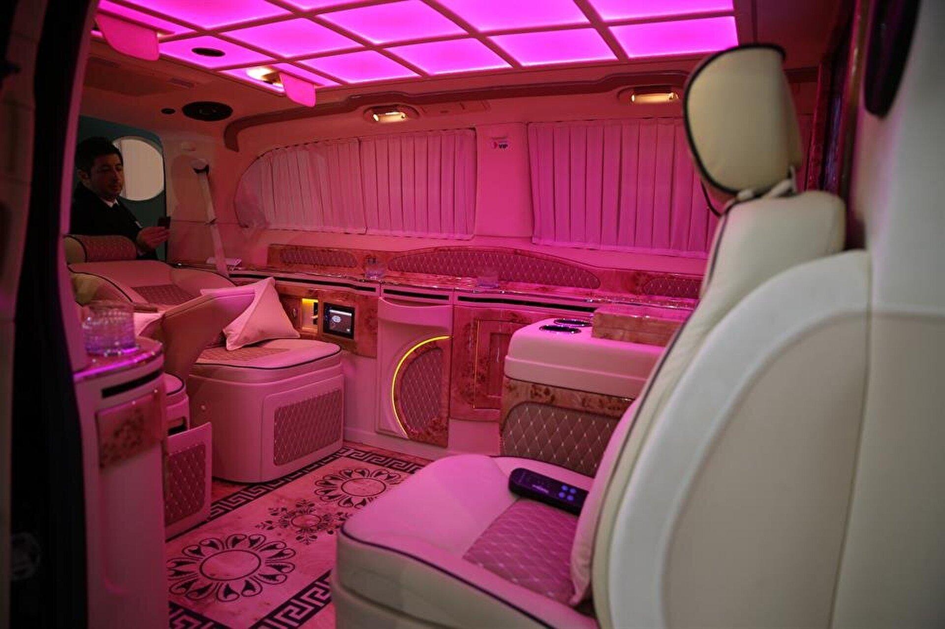 سيارات فارهة بغرفة نوم وحمام.. رغبات الاثرياء تلبيها شركة تركية