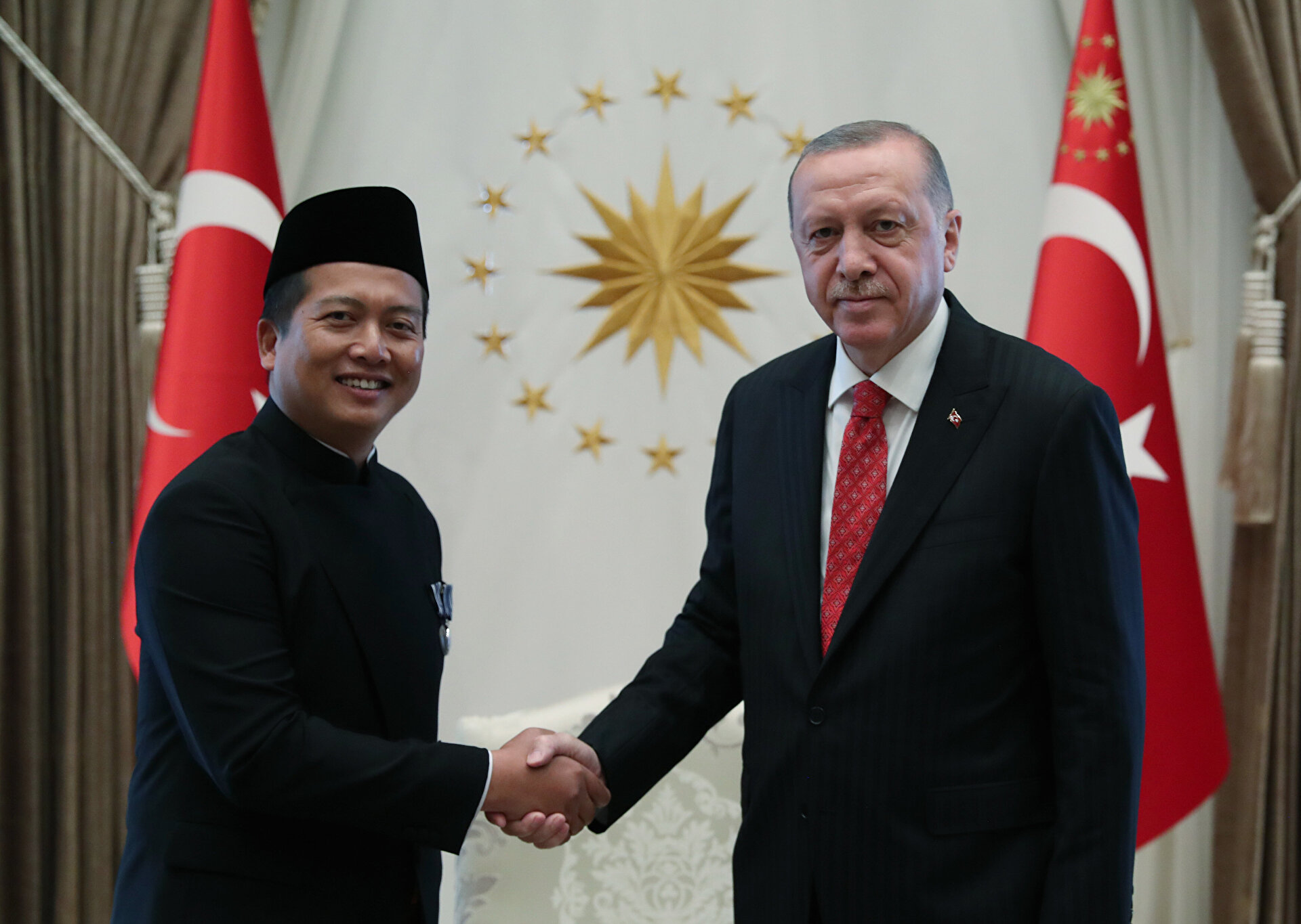 Indonesia's ambassador presents the letter of credence to Turkey's Erdoğan