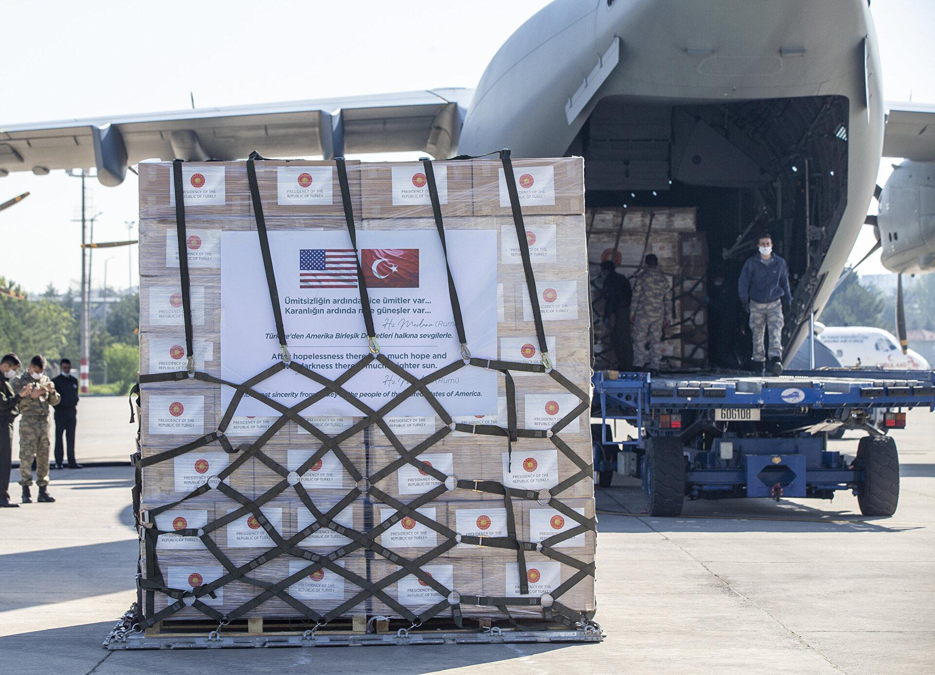طائرة شحن محملة بمساعدات طبية تغادر تركيا إلى الولايات المتحدة