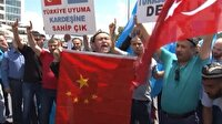 Çin Konsolosluğu önünde Urumçi protestosu