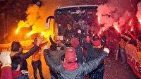 Galatasaraylı futbolcuya küfürlü karşılama