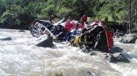 Panama'da otobüs nehre düştü: 18 ölü