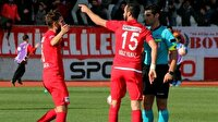 Ümraniyespor-Balıkesirspor maçında skandal penaltı kararı