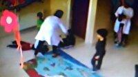 Kreşte minik çocuklara işkence kamerada