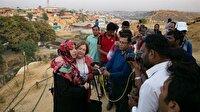 Nobel Ödüllü kadınlar Arakanlı Müslümanlar için Bangladeş'te