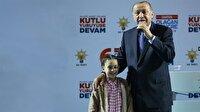 """Erdoğan, """"Tayyip dede sen hiç yorulmaz mısın?"""" diyen miniği yanına çağırdı"""