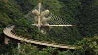 Kolombiya'da 9 işçinin öldüğü köprü yıkıldı