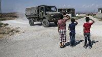 Hataylılardan İdlib'e giden askerlere sevgi gösterisi