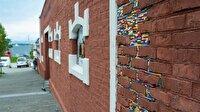 Duvarların eksiğini LEGO ile tamamladı
