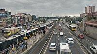 Metrobüs arıza yaptı: Seferler durdu