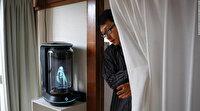 Hologramla evlenen adamın düğününe ailesi katılmadı