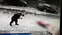 Çatıdan düşen buz kütlesi yaşlı kadının sonu oldu