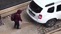 Görme engelli çocuk kaldırıma park eden araca başını çarptı