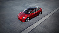 Tesla Model 3'un hızı yazılım ile arttı