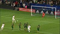 Zlatan Ibrahimovic'ten kaleciyi küçük düşüren panenka