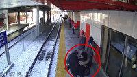 İstasyonda bekleyen yaşlı kadını raylara itti!