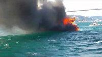 8 kişinin bulunduğu iddia edilen tekne denizin ortasında alev aldı