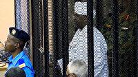 El-Beşir ilk kez mahkemeye getirildi: İddiaları kabul etti