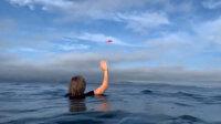 Okyanusa çakılan uçağın düşmesi ve uçaktakilerin kurtarılma anı kamerada