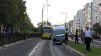 Minibüs tramvay durağına girdi