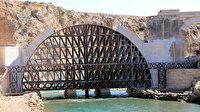 200 yıl önce kavga eden köylülerin yıktığı tarihi köprüde restorasyon sürüyor