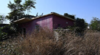 Gizemli kazının yapıldığı 'kırmızı ev' hayalet eve döndü