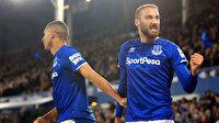 Cenk Tosun Everton'ı ipten aldı