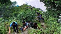 Nepal'de festivalden dönenleri taşıyan otobüs 20 metre yükseklikten nehre düştü: 17 ölü, 50 yaralı