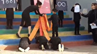 Küçük çocuklar Atatürk posteri önünde secde ettirildi: Skandal görüntüler bir değil iki değil üç değil