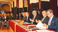 Galatasaray'da erken seçim yok