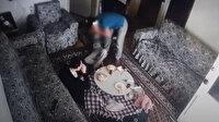 Çocukları darp eden vicdansız bakıcı kamerada