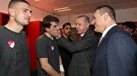 Cumhurbaşkanı Erdoğan soyunma odasına inerek Millileri kutladı