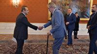 Prag Büyükelçisi Egemen Bağış, Çekya Cumhurbaşkanı Zeman'a güven mektubunu sundu