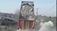 Tuzla'da kaçak döküm dehşeti: Molozu yolun ortasına dökerek kaçtı
