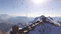 Mehmetçik kar altında nöbete devam ediyor