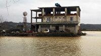 Sakarya'da su baskını nedeniyle bir mahalle sular altında kaldı