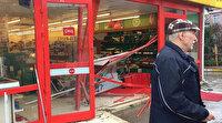 El freni çekilmeyen kamyon markete daldı: Çalışanlar büyük panik yaşadı