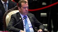 Rusya'da sosyo-ekonomik sıkıntıların kurbanı Medvedev oldu