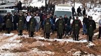 Şehit cenazesinde bir grup gençten duygulandıran hareket: Askerler üşümesin diye montlarını giydirdiler sadece kazakla kaldılar