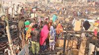 Pakistan'da 400 gecekondu yandı: 2 kişi yaralandı