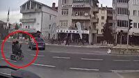 Minibüsün engelliye çarptığı an kameraya yansıdı