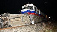 Takla atıp, raylara düşen otomobile tren çarptı: Sürücü hayatını kaybetti